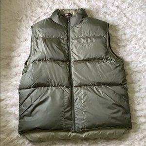 L.L. Bean Reversible men's green puffer vest MED